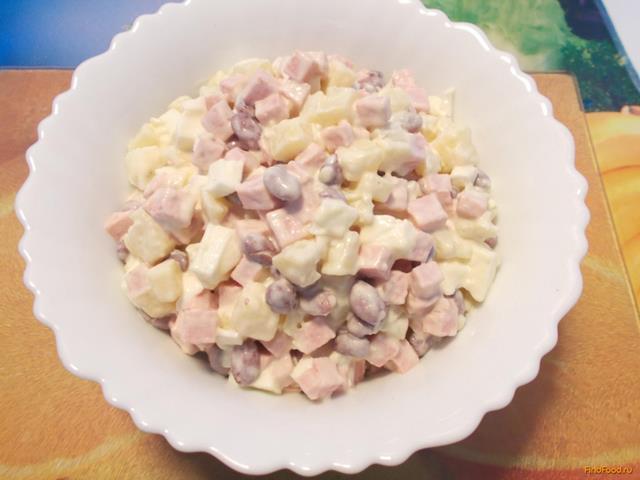 Салат с фасолью и вареной колбасой рецепт