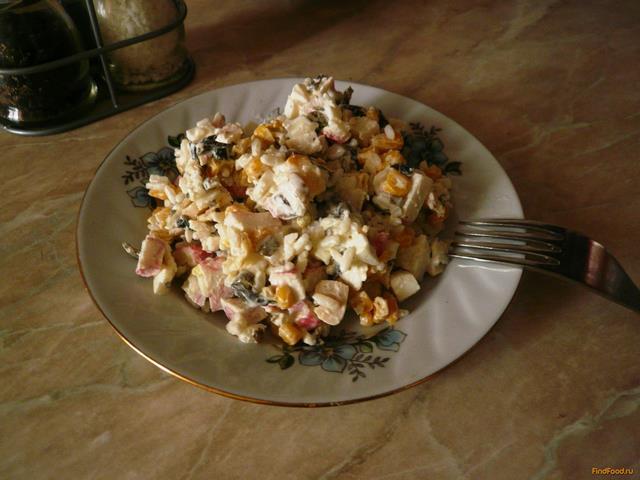 Рецепт Салат с морепродуктами бюджетный рецепт с фото