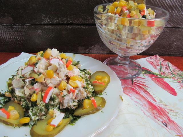Рецепт Салат с курицей и крабовыми палочками рецепт с фото