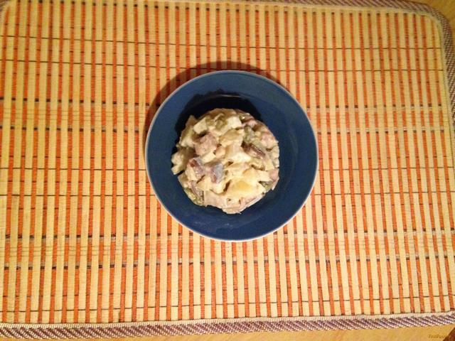 Рецепт Салат с сельдью и соленым огурцом рецепт с фото
