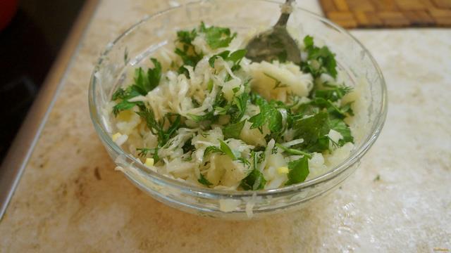 Рецепт Салат из квашеной капусты и картофеля рецепт с фото