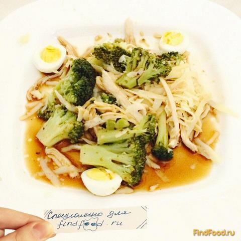 Рецепт Cалат из брокколи с курицей в имбирно-чесночном соусе рецепт с фото