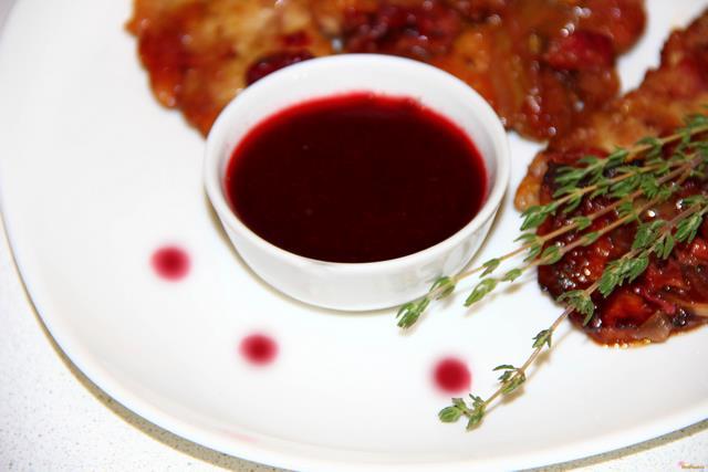 Вишневый соус для мяса