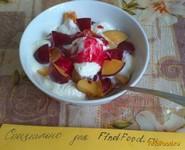 Рецепт Фруктовый салатик с малиновым топингом рецепт с фото