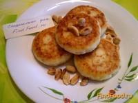 Рецепт Творожники с арахисом и изюмом рецепт с фото