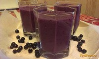 Рецепт Молочный коктейль с черникой и персиком рецепт с фото