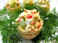 Рецепт Салат из крабовых палочек в тарталетках рецепт с фото