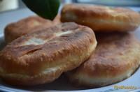 Рецепт Пирожки жареные с картофелем и колбасой рецепт с фото
