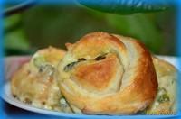 Рецепт Сырные булочки с зеленью и помидором рецепт с фото