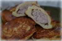 Рецепт Картофельные драники с мясной начинкой рецепт с фото