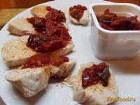 Рецепт Ломтики индейки под грузинским соусом рецепт с фото