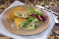 Рецепт Котлеты из индюшатины с начинкой из огурца и яиц рецепт с фото
