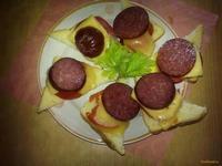 Рецепт Бутерброды с сервелатом рецепт с фото