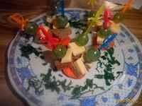 Рецепт Канапе с виноградом и сыром рецепт с фото