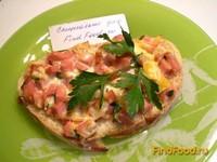 Рецепт Горячий бутерброд с колбасой и помидором рецепт с фото