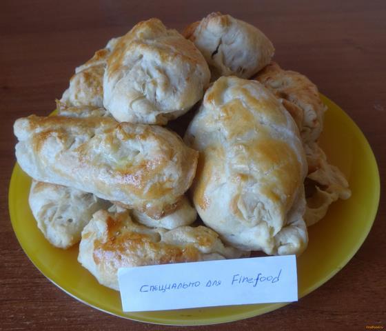 Рецепт Пирожки с капустой из готового слоеного теста рецепт с фото
