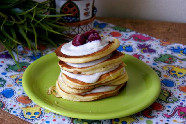 Рецепт Кукурузные панкейки с творожным топпингом рецепт с фото