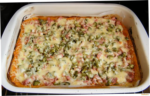 Пицца из слоеного теста на скорую руку рецепт с фото 10-го шага