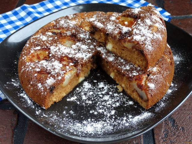 Рецепт Бисквитный пирог с грушами и шоколадом рецепт с фото