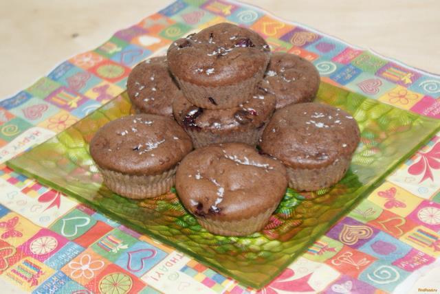 Рецепт Шоколадные кексы с черной смородиной рецепт с фото