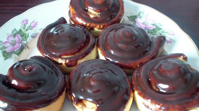 Рецепт Булочки с корицей в шоколадной глазури рецепт с фото