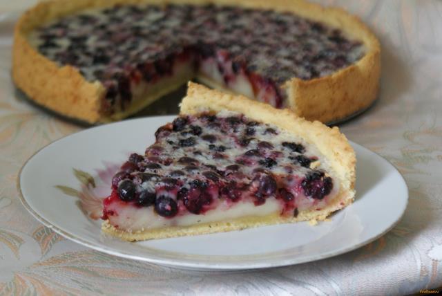 Ягодный пирог со сметанной заливкой рецепт с фото 9-го шага