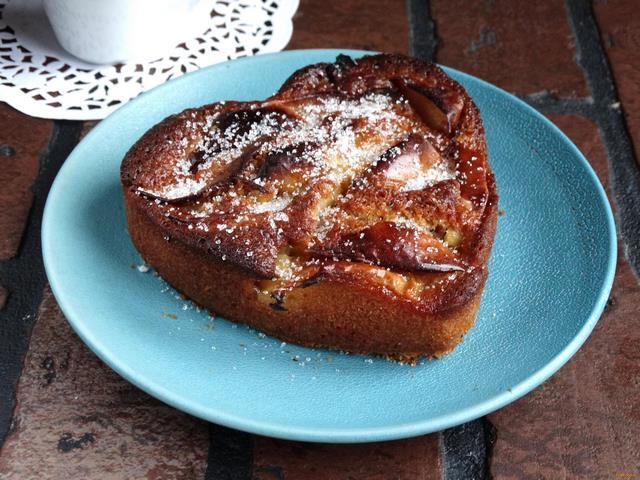Рецепт Яблочная шарлотка на кефире рецепт с фото