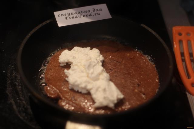 Шоколадный овсяноблин с творогом рецепт с фото 7-го шага