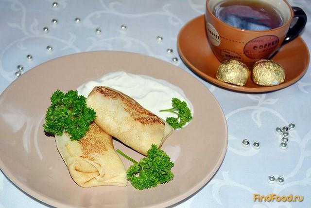 Блюдо из курицы и картофеля в сковороде