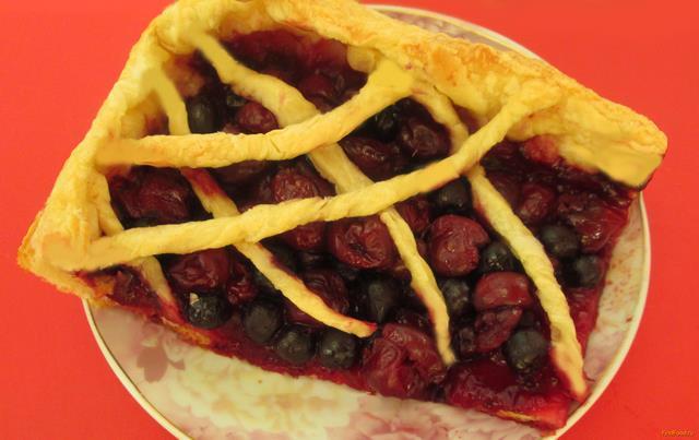 Рецепт Пирог с вишней и черноплодной рябиной рецепт с фото