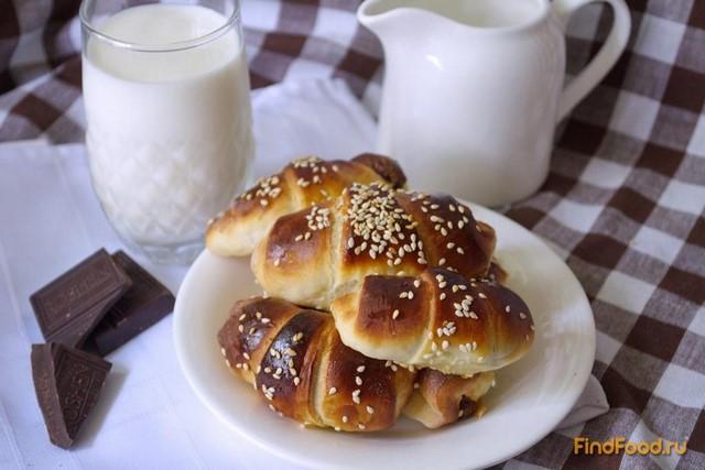 Рецепт Дрожжевые круассаны с шоколадно-ореховой пастой рецепт с фото