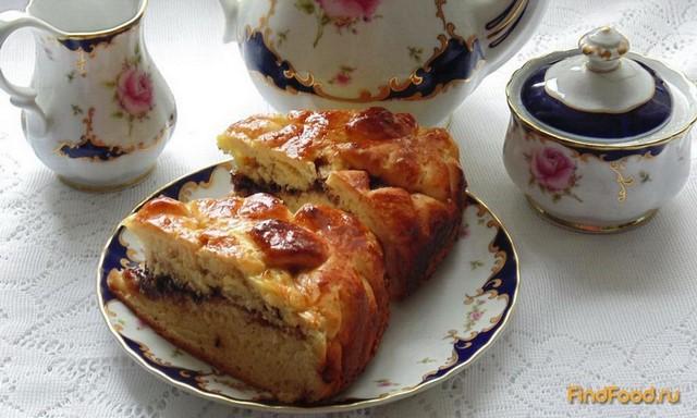 Сдобный пирог с джемом рецепт с фото: http://findfood.ru/recept/sdobnyj-pirog-s-dzhemom