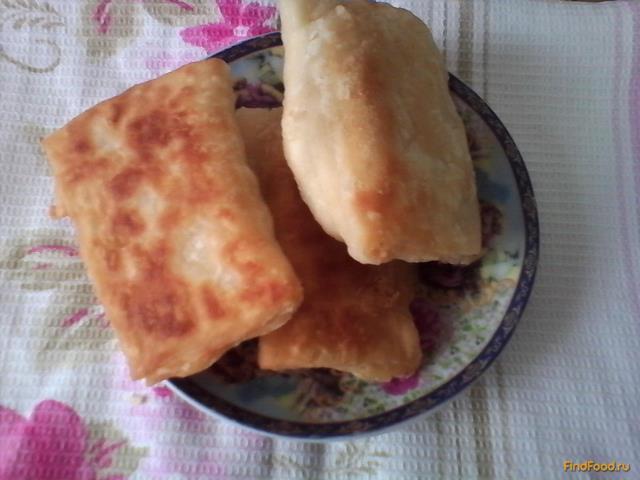 Рецепт Слойки с колбасой и сыром рецепт с фото