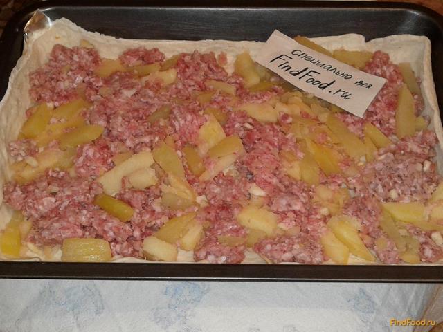 Пирог с фаршем из слоёного теста рецепт с фото 8-го шага