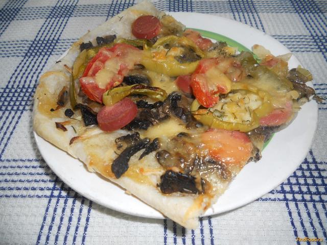 Рецепт Открытый пирог с грибами и сосисками рецепт с фото