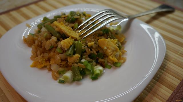 Рецепт Жареный рис по-китайски рецепт с фото