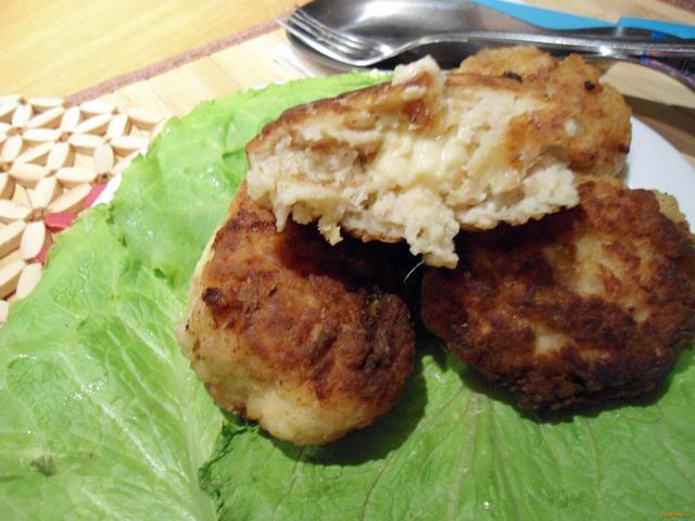 Рецепт Куриные котлеты с сырной начинкой рецепт с фото