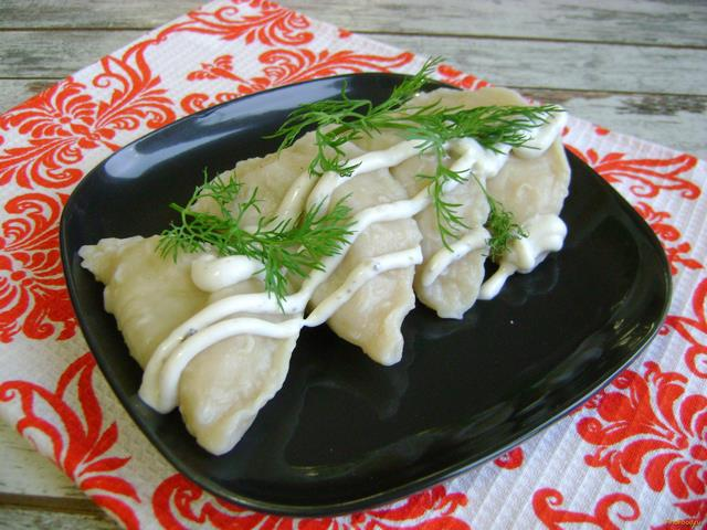 Рецепт Вареники с картошкой салом и луком рецепт с фото