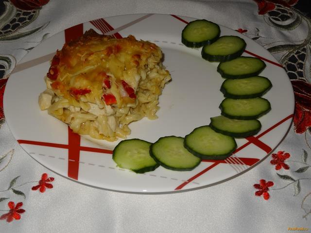 Рецепт Запеканка из макарон и куриной грудкой под сыром рецепт с фото