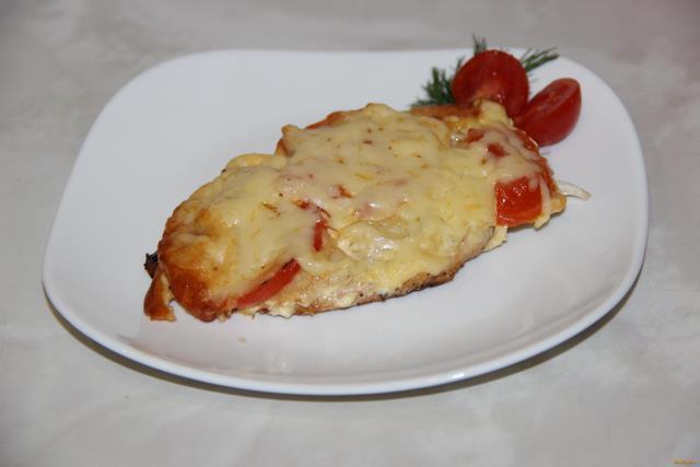 Рецепт Куриные отбивные с помидорами под сыром рецепт с фото