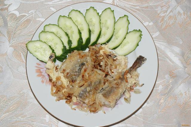 Рецепт Хек в сметане с жареным луком рецепт с фото