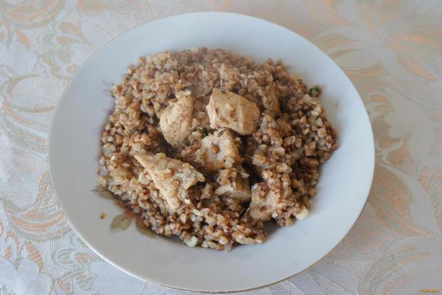 Рецепт Тушеная куриная грудка с гречкой рецепт с фото