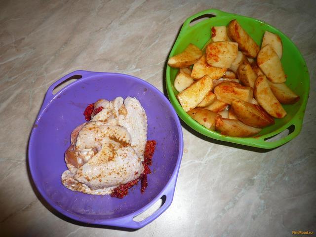 Запеченные куриные крылья с картошкой рецепт с фото 5-го шага
