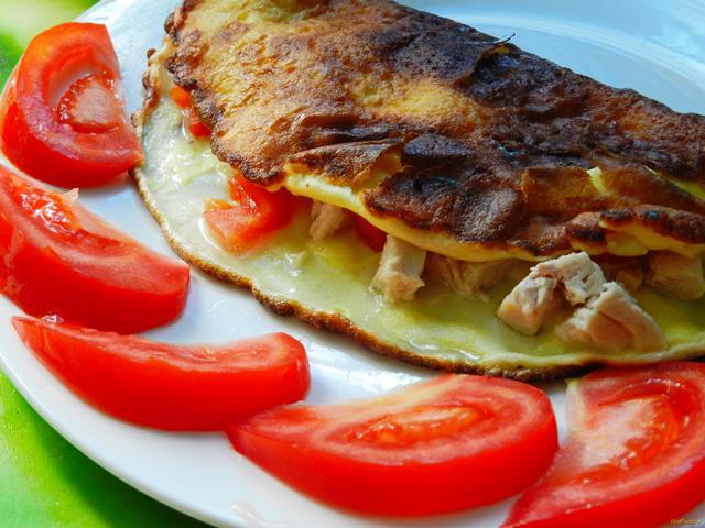 Рецепт Омлет с курицей и томатами рецепт с фото