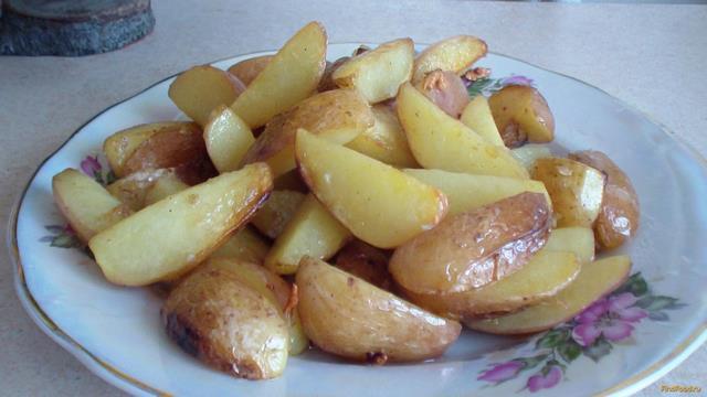 Рецепт Молодой картофель жареный с чесноком рецепт с фото