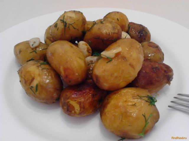 Рецепт Молодой картофель с чесноком и укропом рецепт с фото