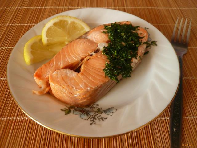 Рецепт Кижуч на пару под зеленым соусом рецепт с фото