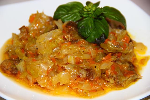 Рецепт Тушеная капуста с говядиной рецепт с фото