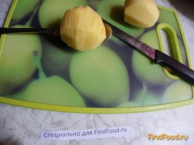 Картофель запеченный с яблоками и пряными травами рецепт с фото 2-го шага