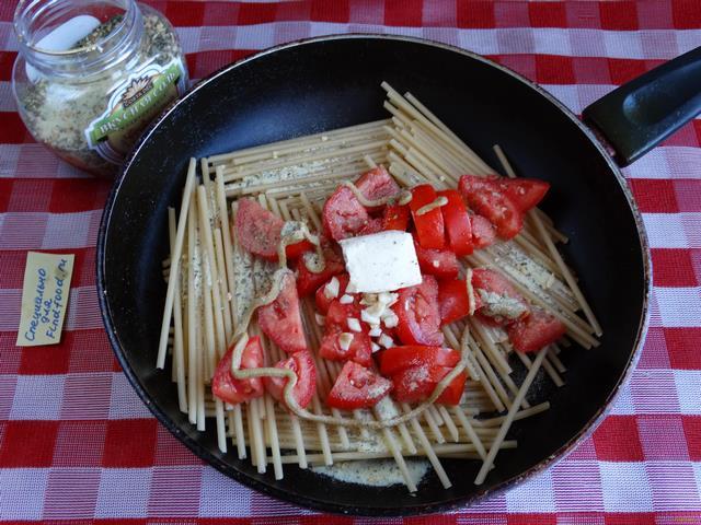 Паста Капелинни с подливой из куриного филе кабачков и томатов пошагово с фото